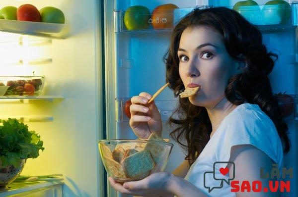Ăn muộn gây tăng mỡ bụng